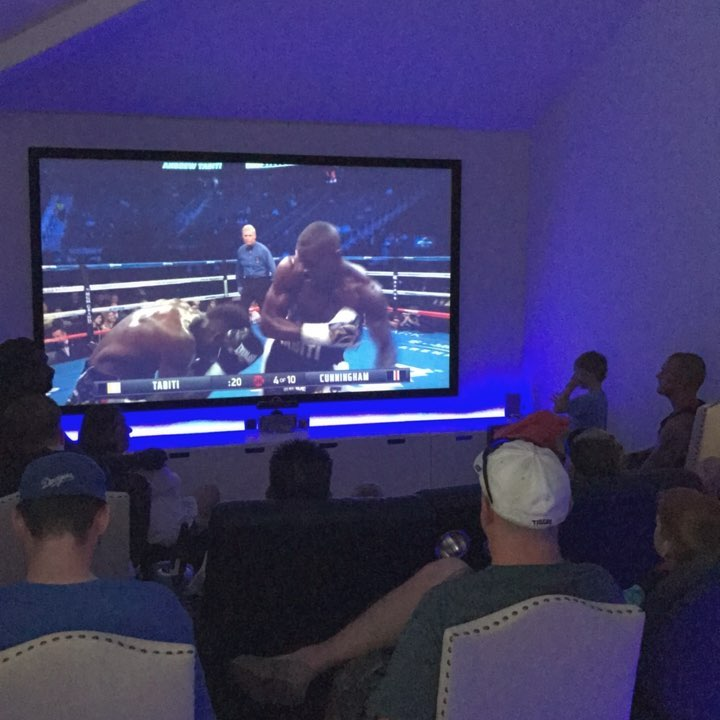 Viewing party for the #mcgregorvsmayweather