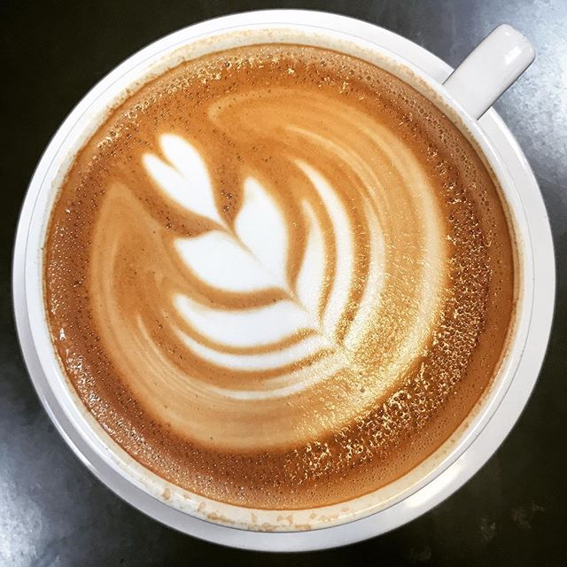 Morning latte #portolacoffeelab #costamesa